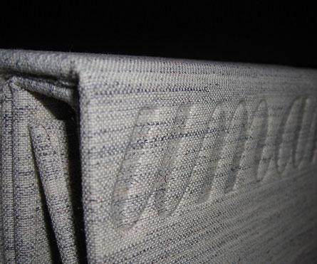 bunch portatessuti rivestita in tessuto in canvas con punzonatura a secco del logo